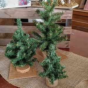 Other - Bundle tabletop Christmas trees with wooden base